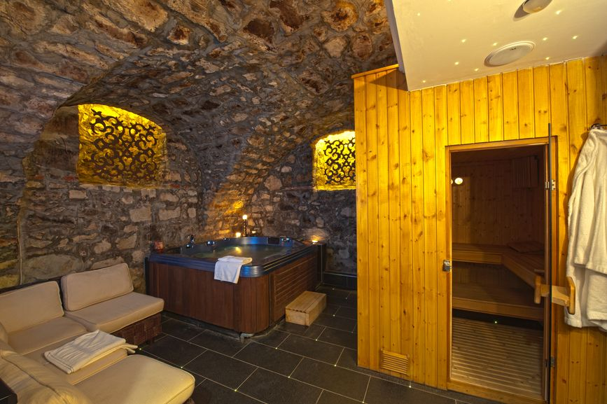 80 Man Cave Ideas That Will Blow Your Mind Photos Hot Tub Room Attic Remodel Sauna Design