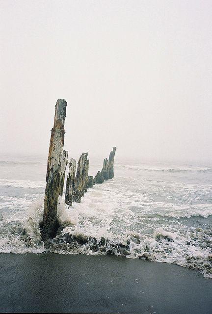 Meet me here between the waves