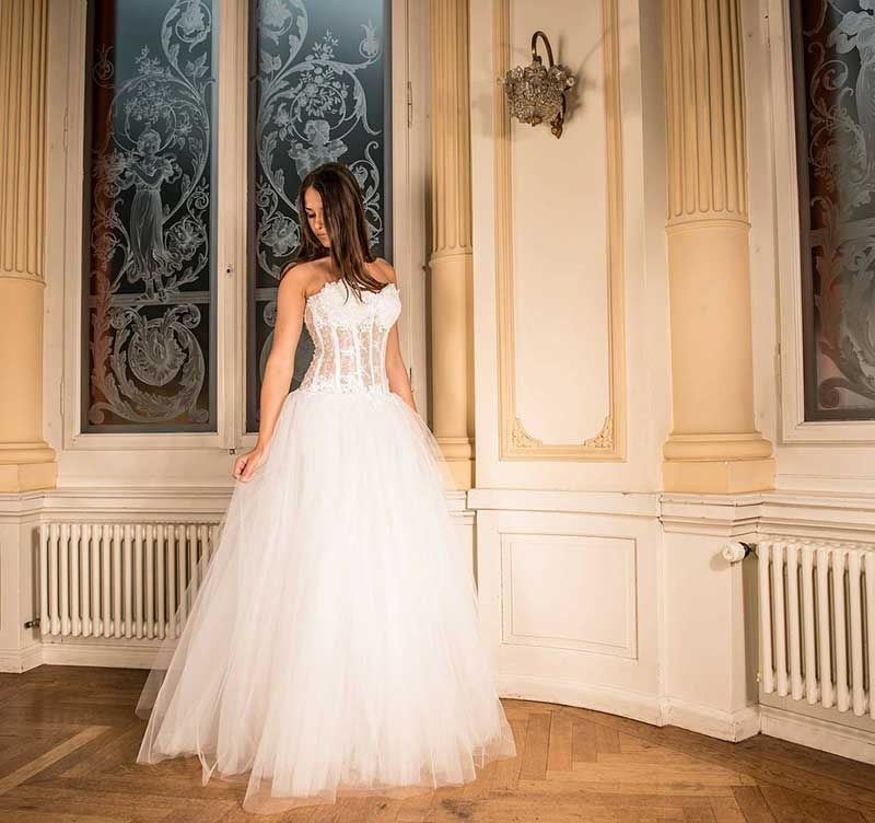 Trouwen in Nederland wanneer je in het buitenland woont & je partner buitenlander is, is niet makkelijk. Lees mijn voorbereidingen op trouwen in Nederland.