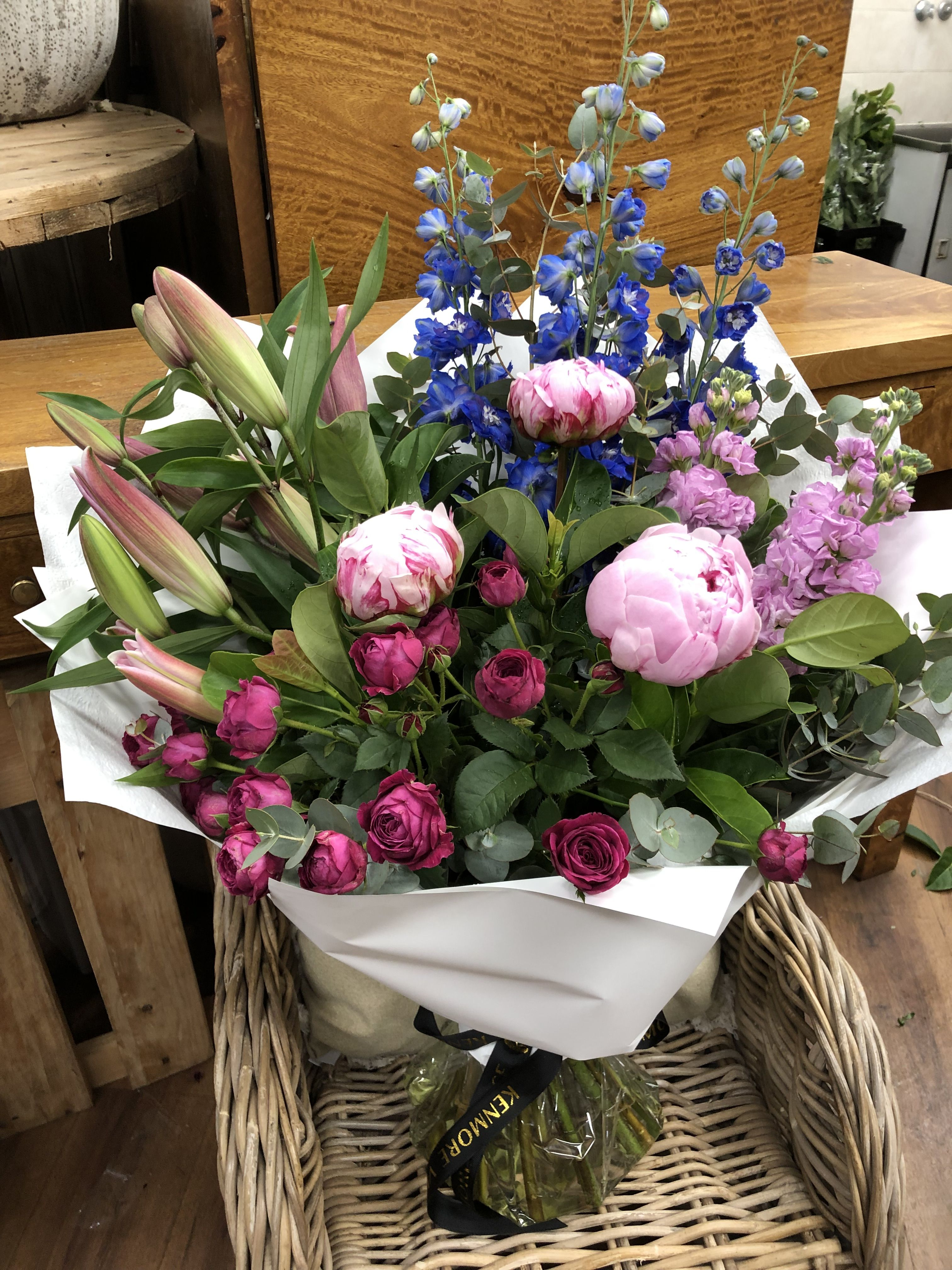 Bouquet Same day flower delivery, Oriental lily, Order