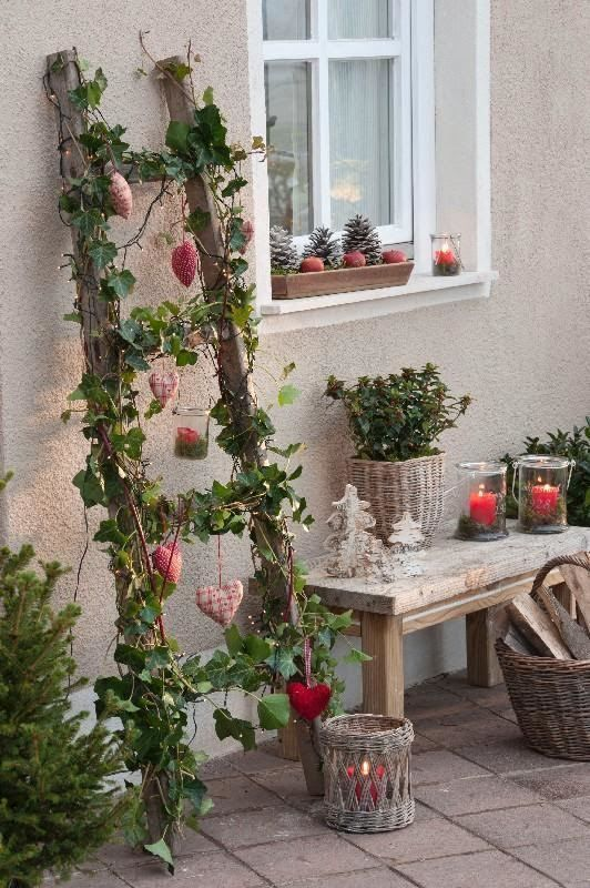 Rustic – Farmhouse DIY garden decoration with old wooden ladders