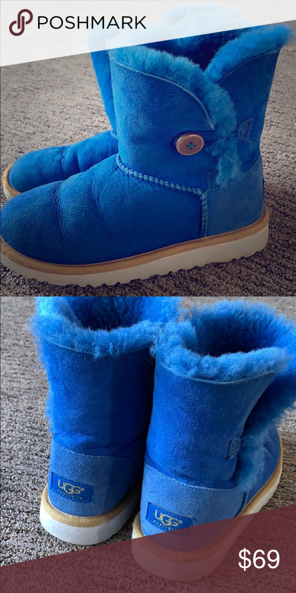Blue Bailey Button Uggs Size 4 Youth