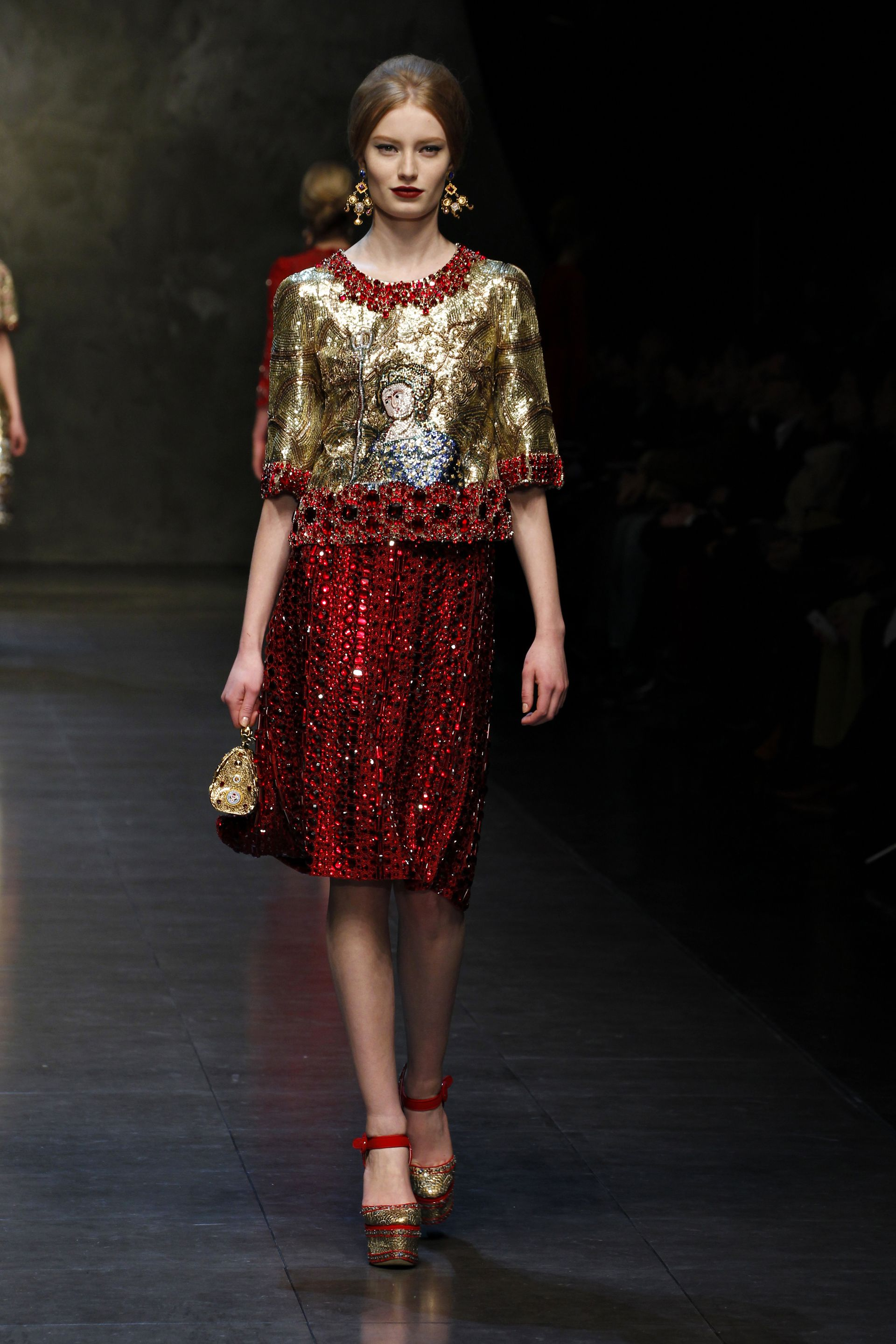 Dolce & Gabbana Women Fashion Show – Fall Winter 2014 Collection