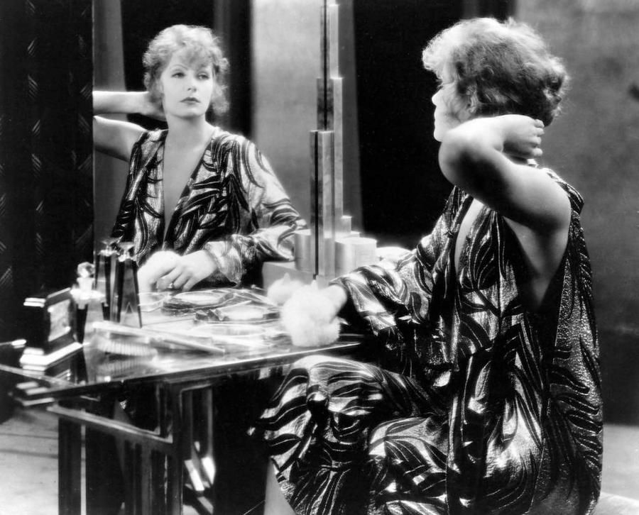 Greta Garbo in The Kiss  (Jacques Feyder, 1929)