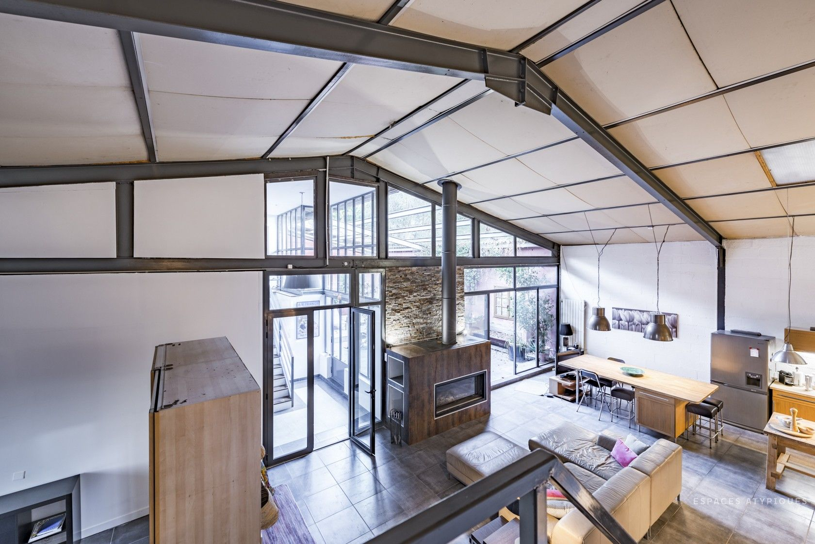 Agence Design Industriel Marseille loft industriel avec patio - marseille | loft industriel