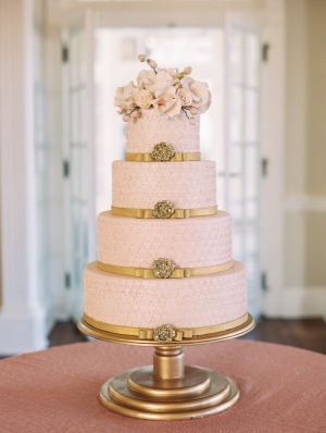 pink & gold pearls wedding cake - Google Search | Cake | Pinterest ...