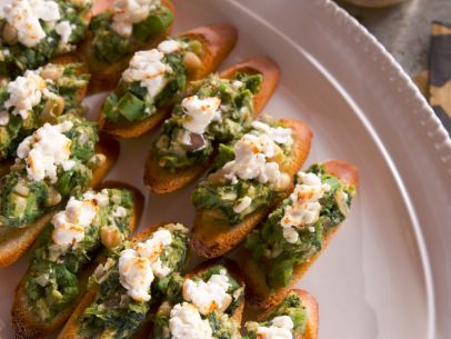 Beans and greens bruschetta with broiled goat cheese recipe appetizer dips forumfinder Gallery