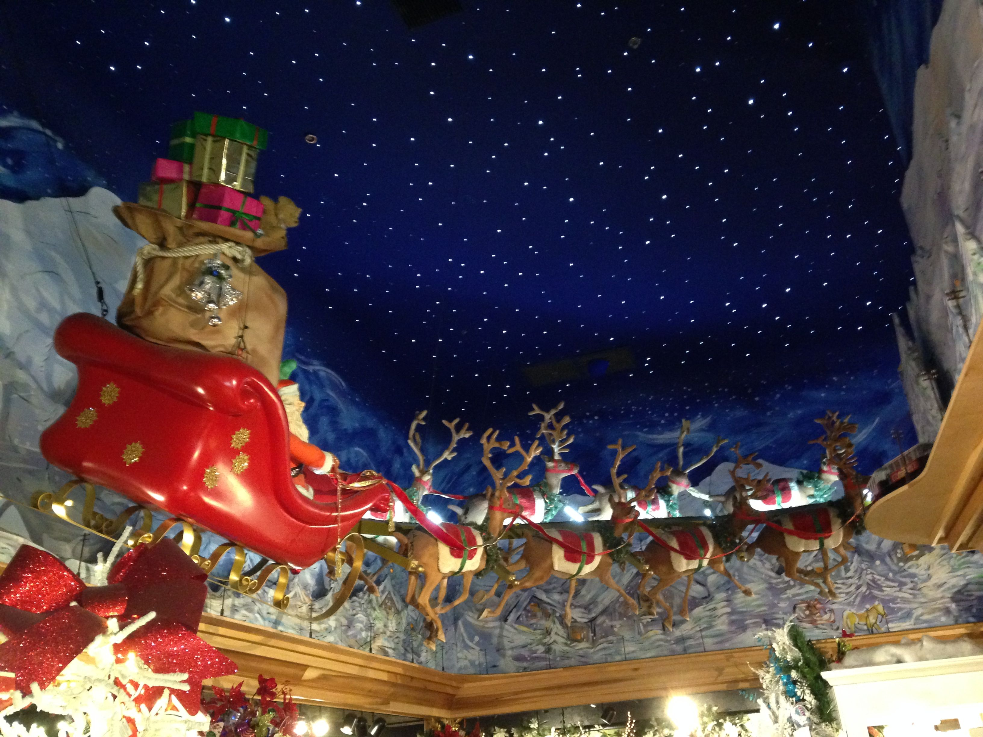 Christmas Place, Five Guys and Dollywood – Pigeon Forge, TN – Day ...
