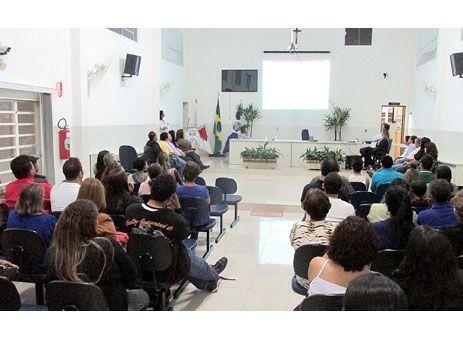Claraval: Audiência Pública apresenta PME. http://www.passosmgonline.com/index.php/2014-01-22-23-07-47/regiao/4980-claraval-audiencia-publica-apresenta-pme