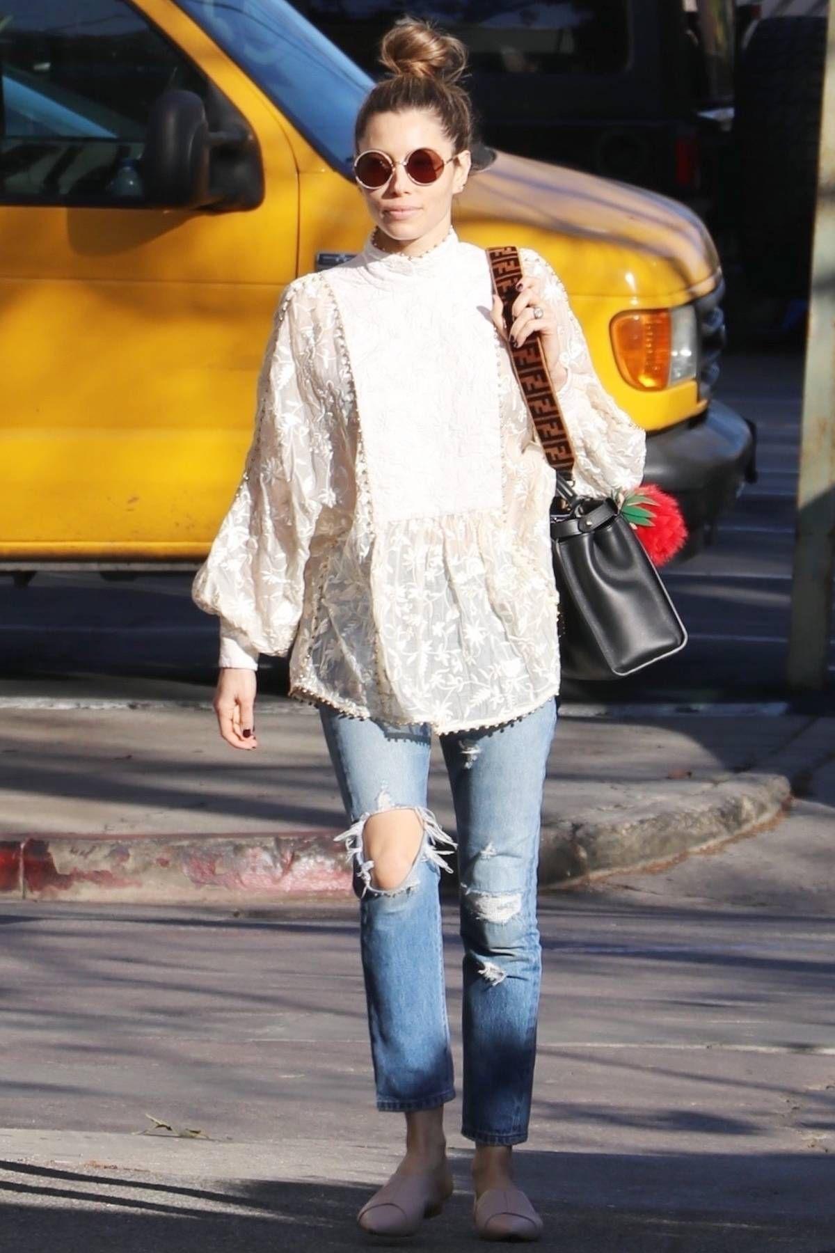 f2408c0fc5 The Coolest Ways to Wear Boyfriend Jeans Now in 2019