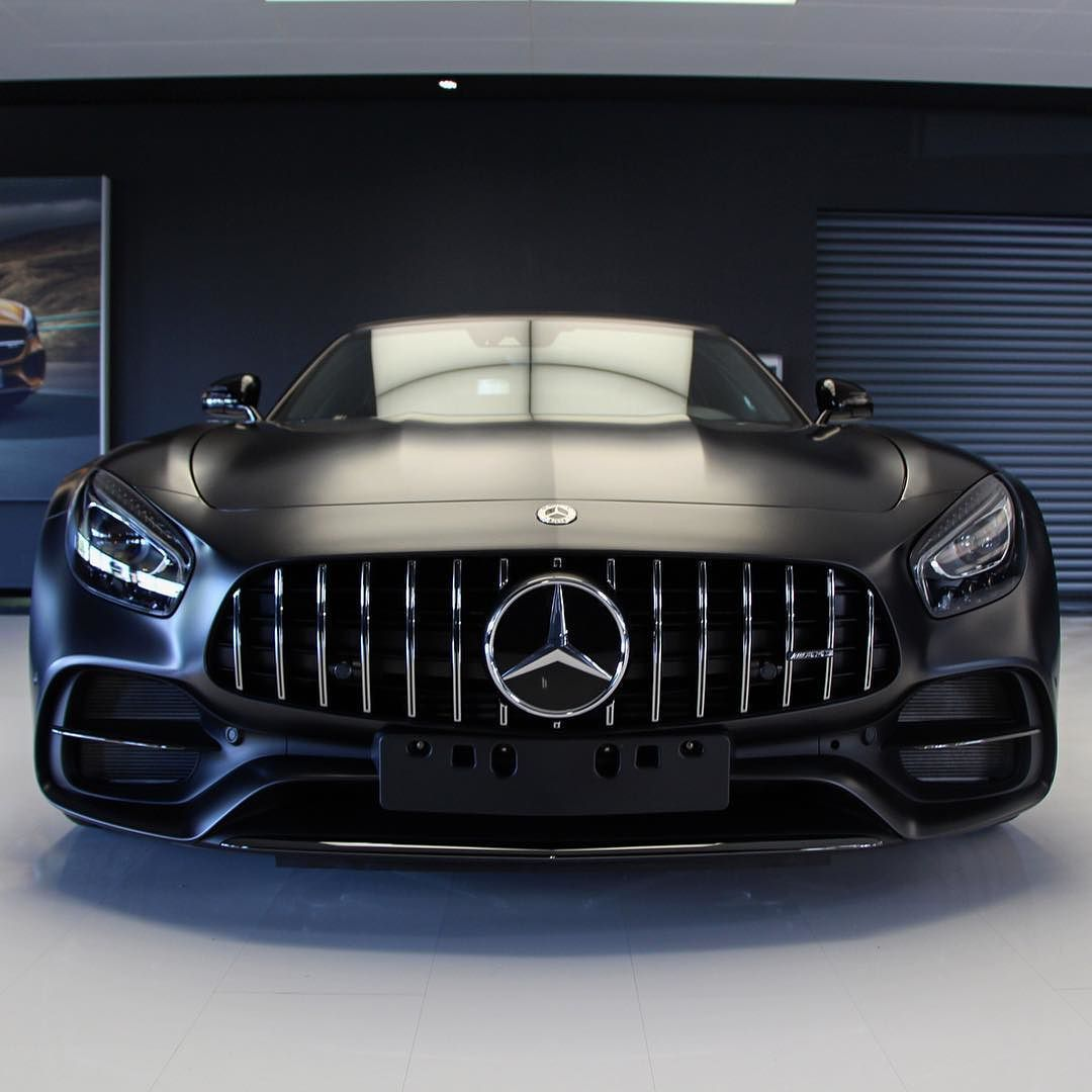 One Good Looking Grill The Mercedes Amg Gt C Roadster Edition 50 Sleek Stylish And Simply Irresistible Gtc Mercedesa Super Cars Mercedes Amg Latest Cars