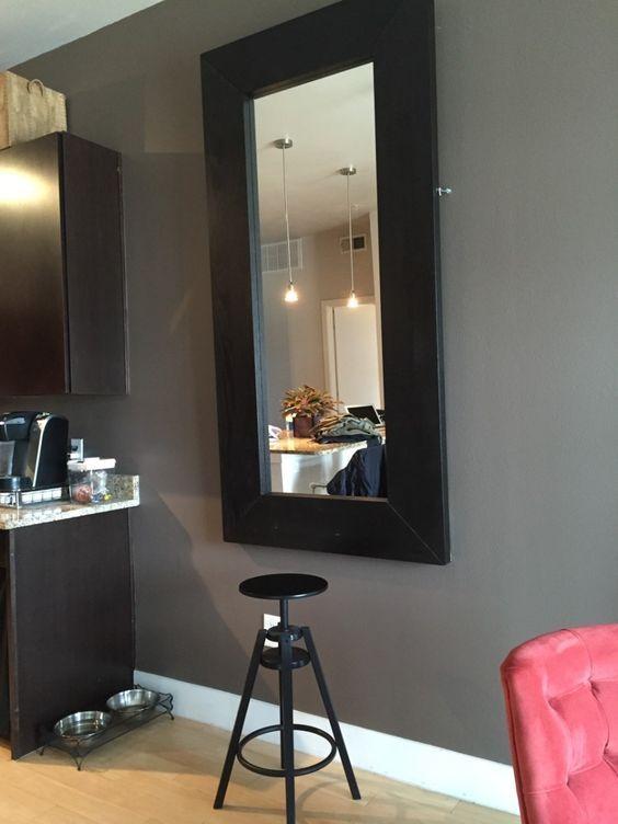 Une table de salle à manger cachée avec un miroir IKEA - Bidouilles