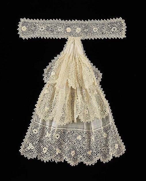 A good example of the kind of women's neckwear popular in the late 19th and early 20th centuries, the luxurious sensibility of this jabot softens the look of the more masculine skirt and jacket it would have been worn with