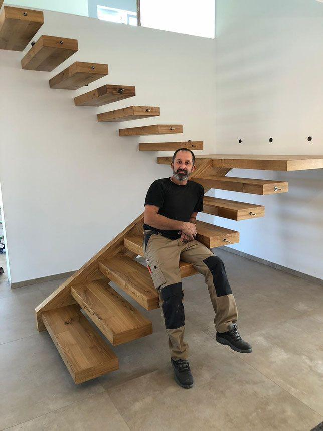 Holz Kragarmtreppe freistehend