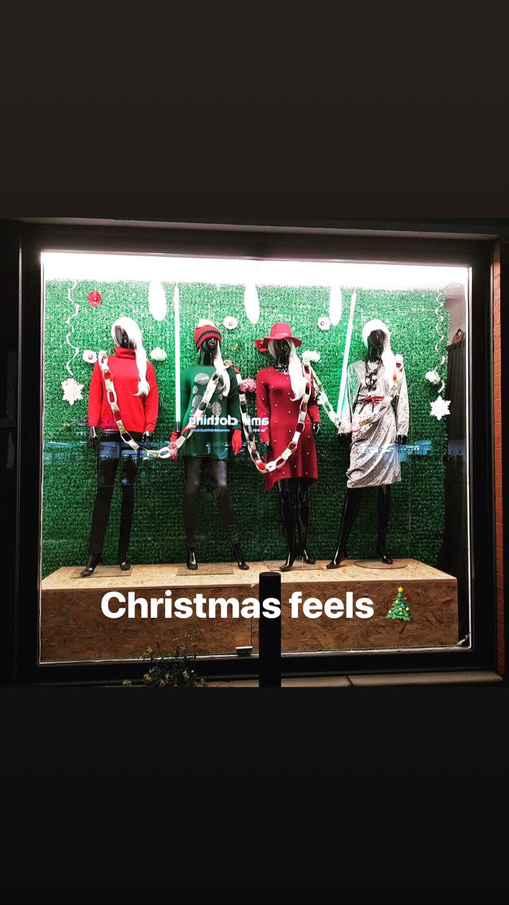Christmas windows done 🎄🌟  check out some of our party wear online www.zoomfashionwholesale.com . #zoom #zoomfashion #wholesale #fashionwholesale #christmas #christmaswindow #windowdisplay #display #vm #visualmerchandising #paperchain #love #awesome #outfit #outfitpost #womenswear #fashion #style #onesize #red #green #christmasfeeling #christmasfeels