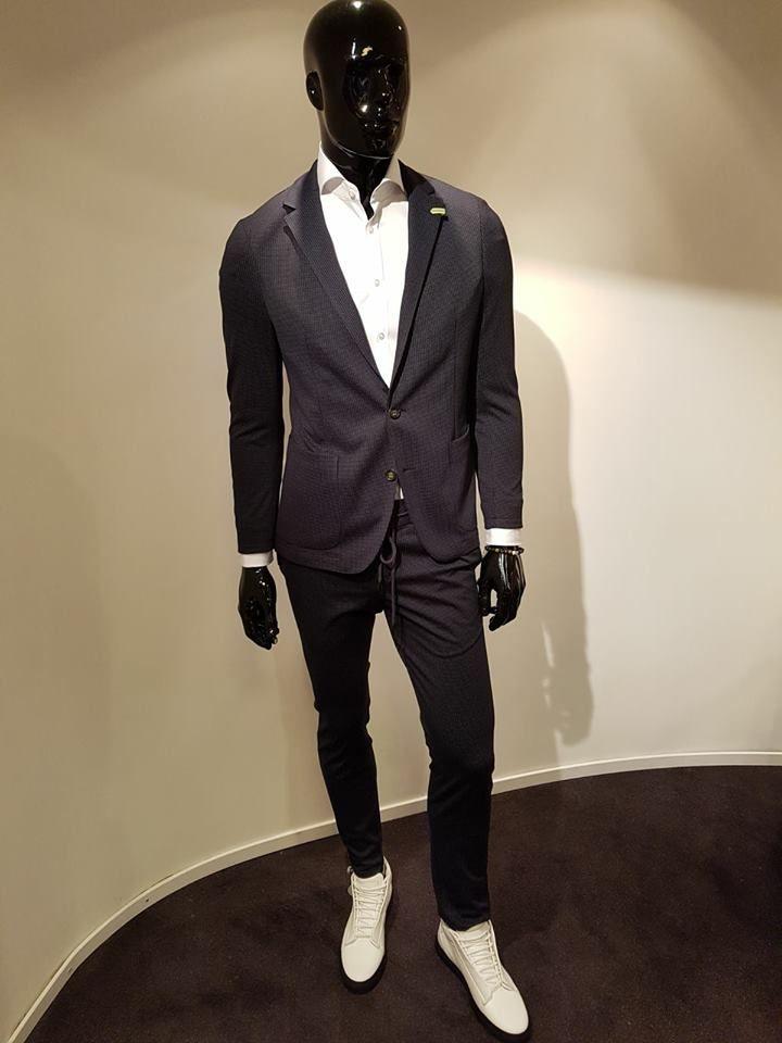 Sneaker Suit Benvenuto Massimo Villa