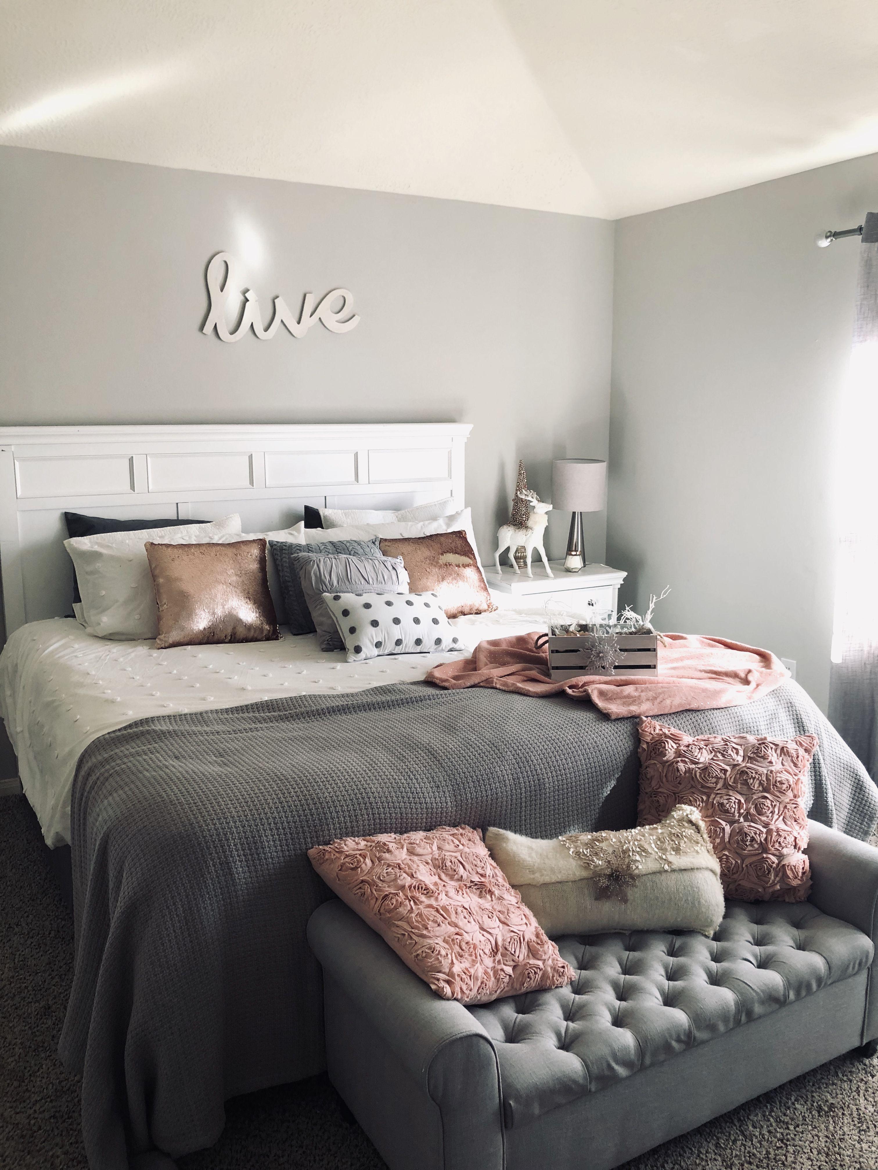 Bedroom Chic Grey And Pink Christmas Decor Habitación Gris Y