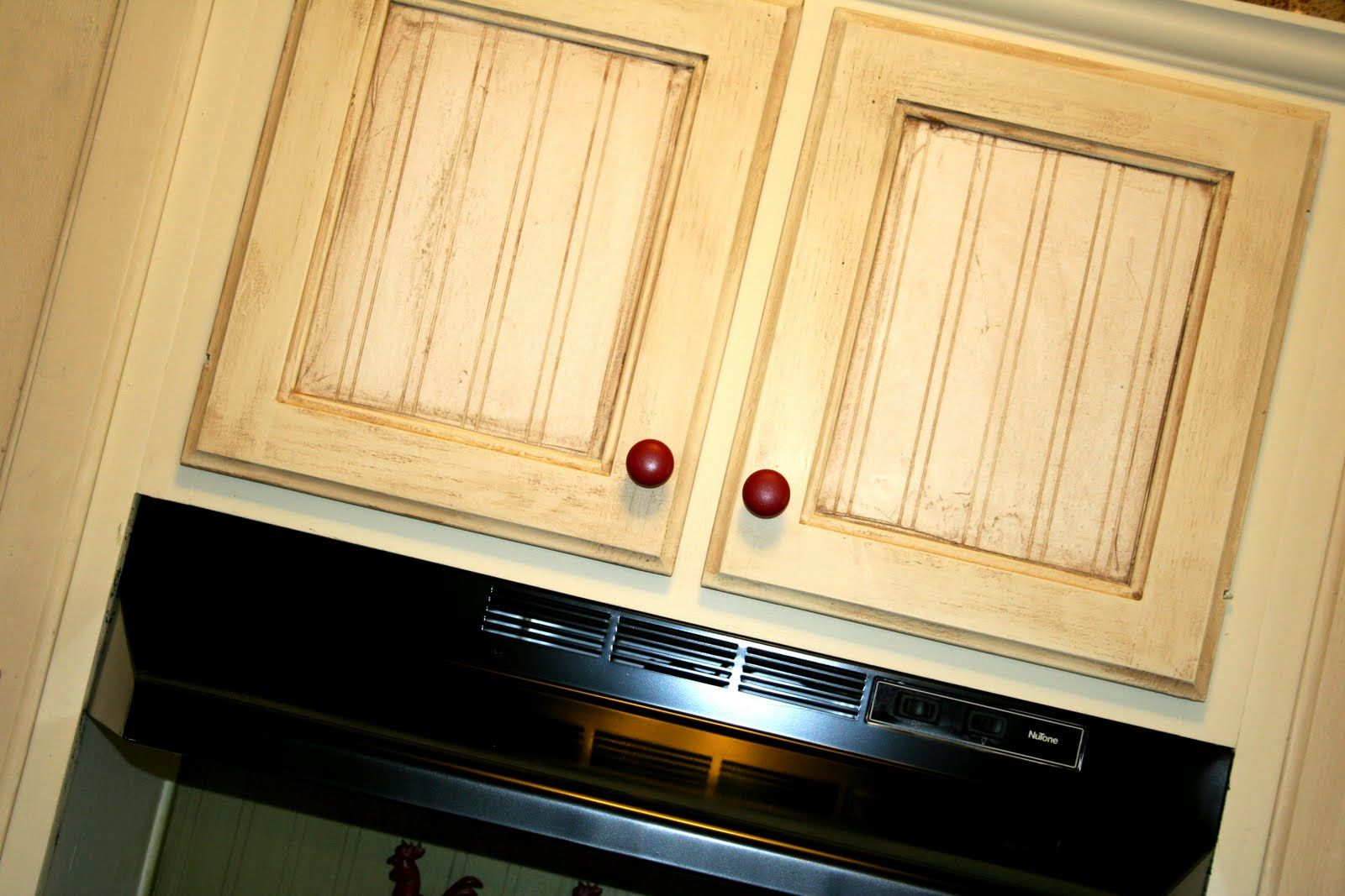 Sassy Style How to spray paint your fridge.. Beadboard