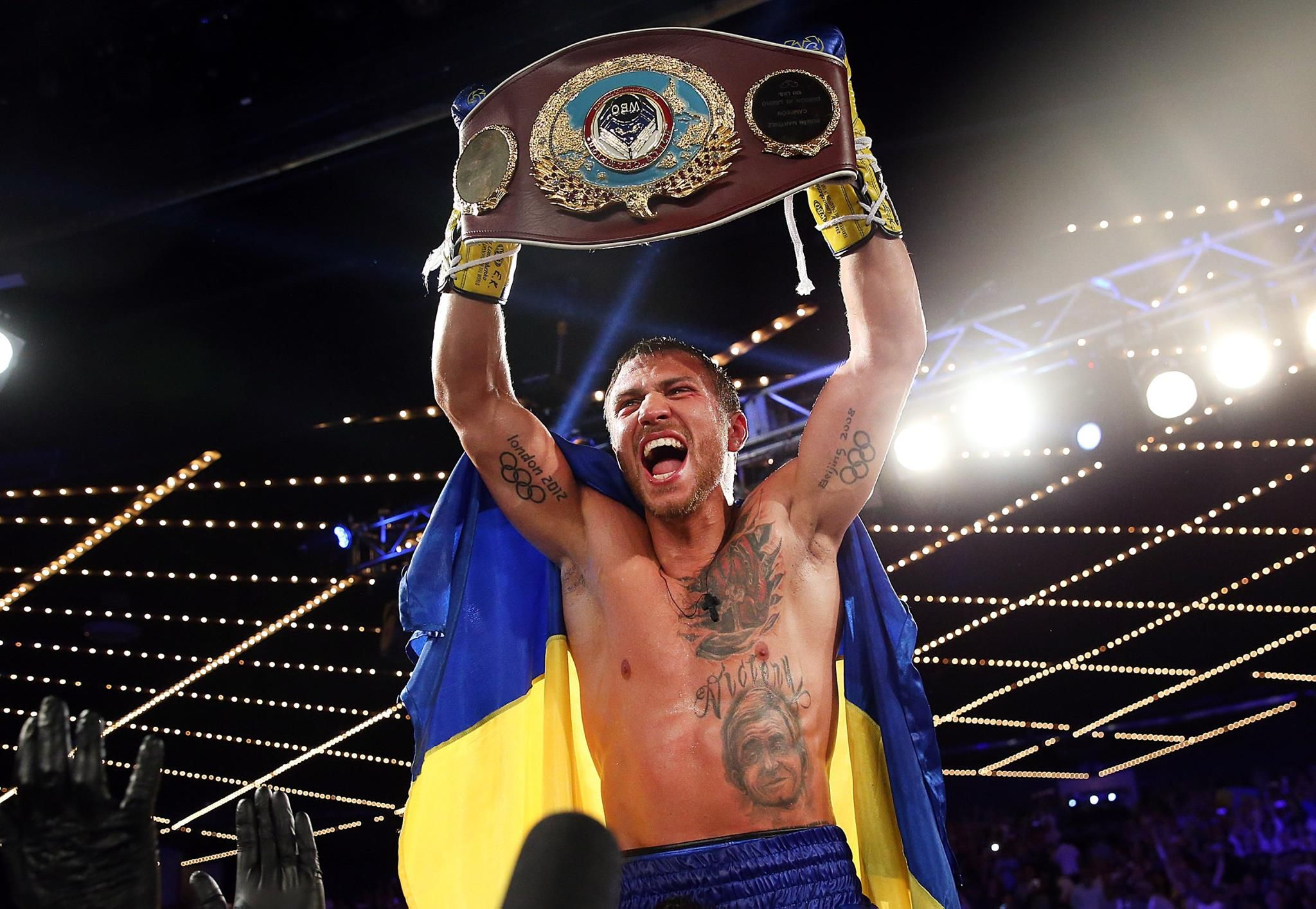 Tonight At 8 00 Pm Et On Espn Vasyl Lomachenko Moves Up In Weight To Challenge For Another World Title Taking On Jorge Boxing Fight Card Boxing Results Espn