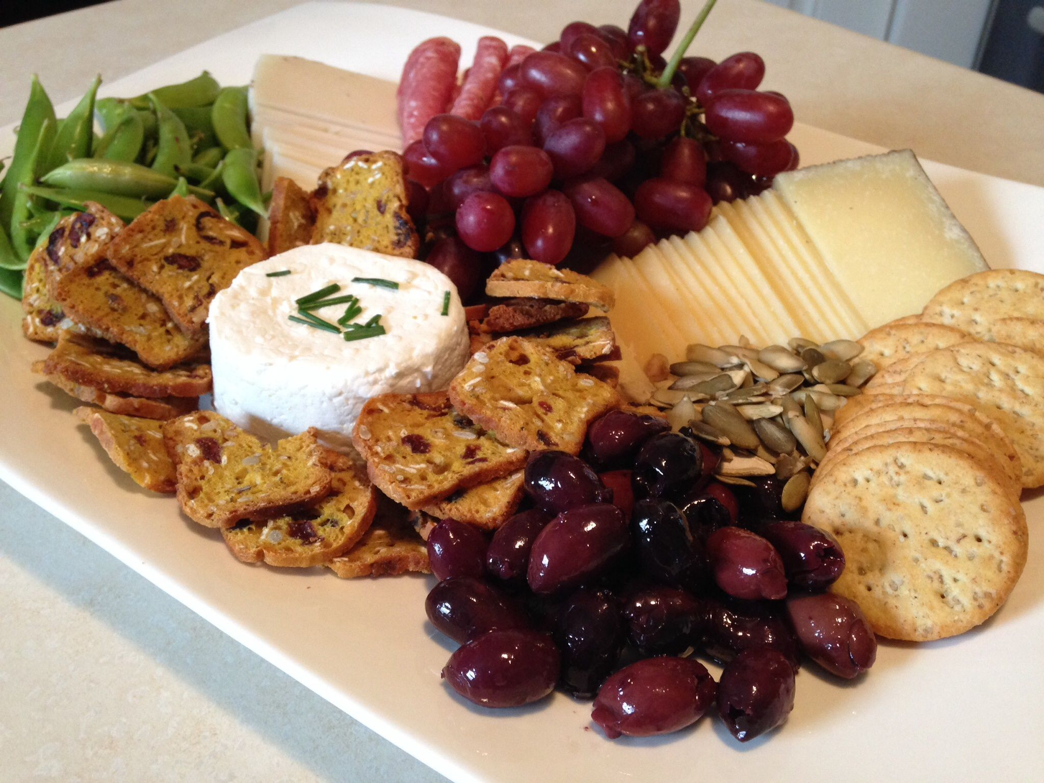 cheese platter presentation | Cheese Platter Presentation For this plate included fruit & cheese platter presentation | Cheese Platter Presentation For this ...