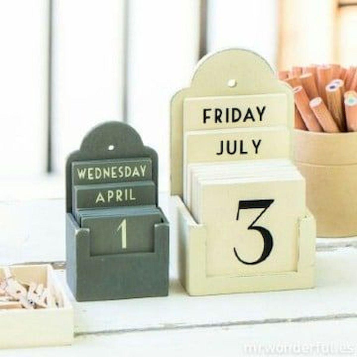 35 Gorgeous Diy Desk Calendar Ideas 7 Diy Desk Calendar Wood