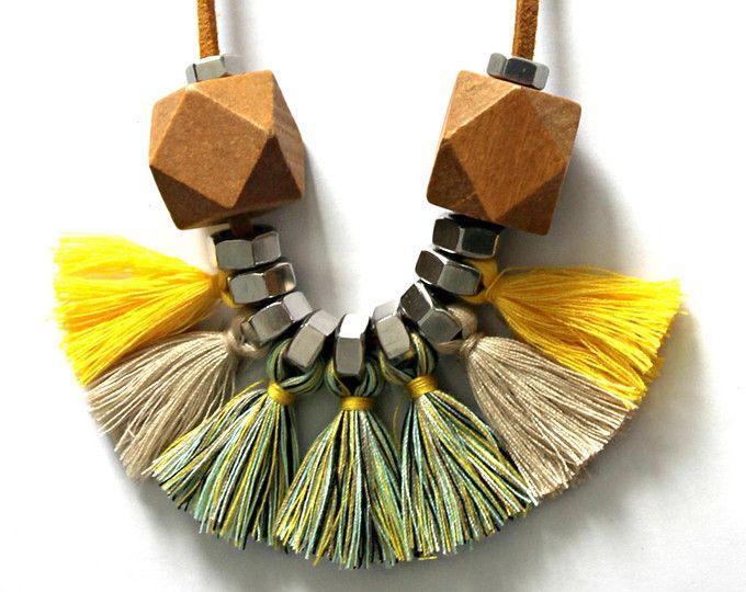 Larga borla collar, collar de borlas de color multi, borla collar de declaración, collar de flecos, collar tribal, ventilador collar, collar amarillo