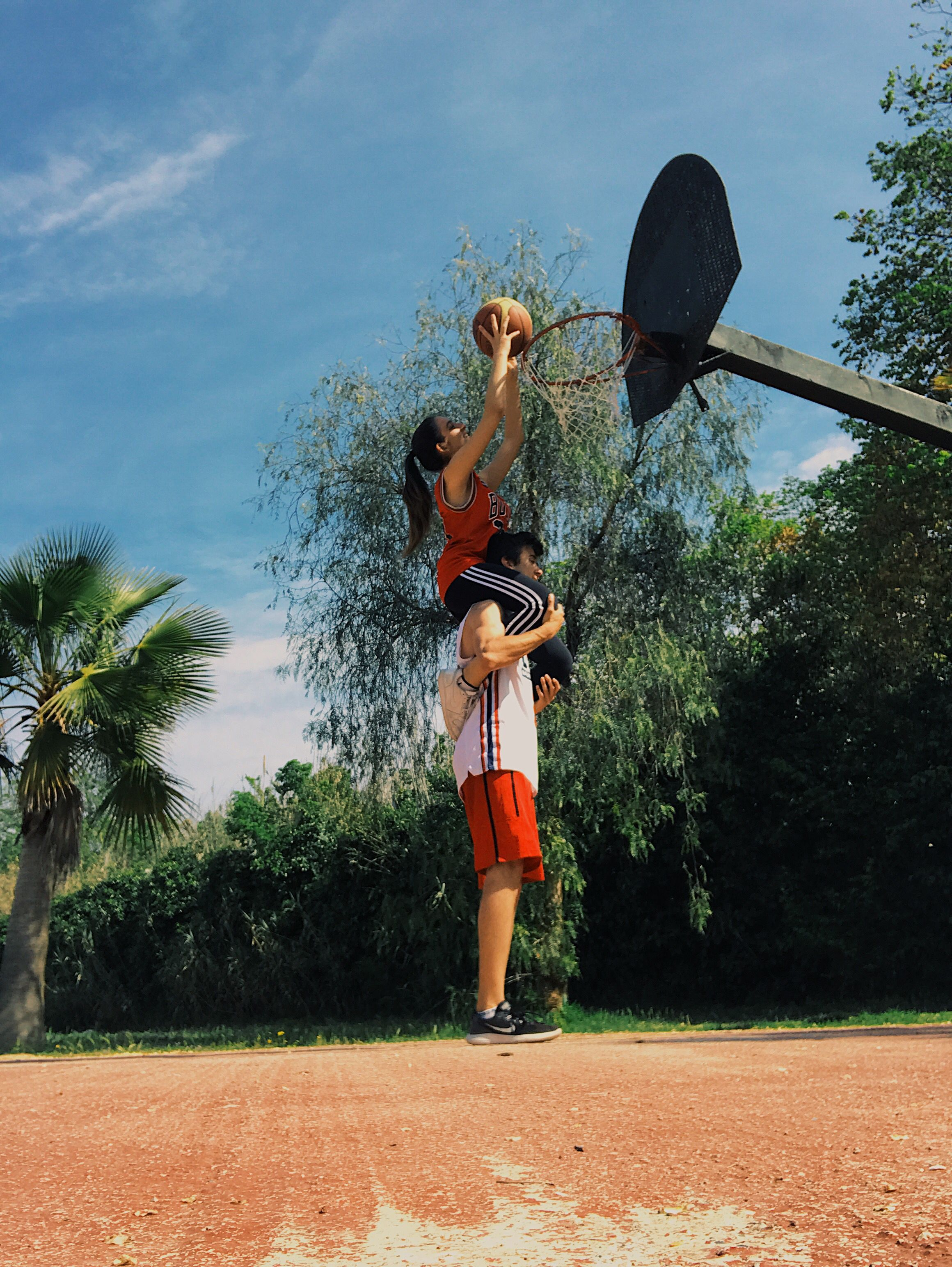Basketball couple ? – What is the best season for doing sports? Calling summer is true, and winter is… In fact, it is not the season of doing spo…