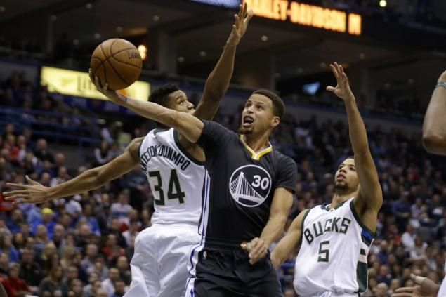 Warriors 24-game win streak ends with loss to Bucks
