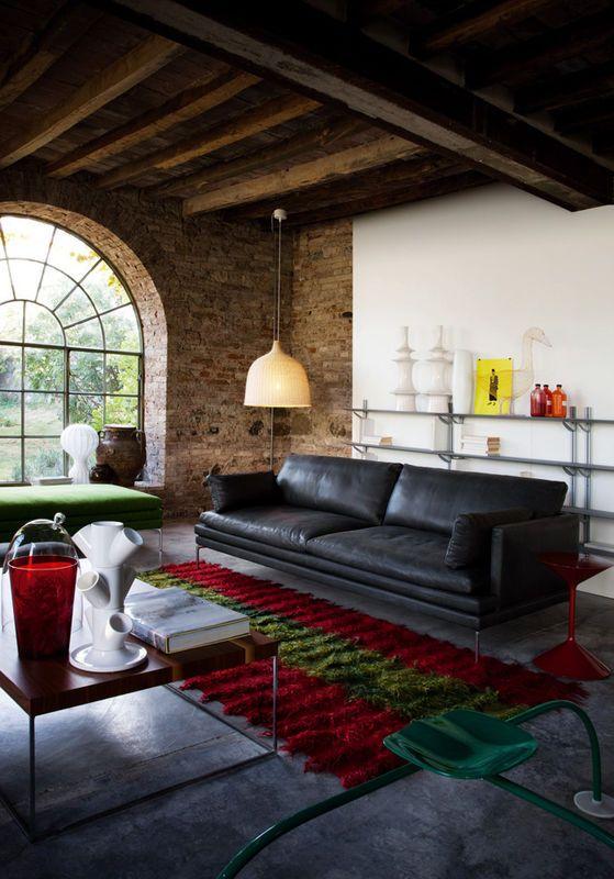 Salon Z Ceglana Sciana Salon Styl Klasyczny Aranzacja I Wystroj Wnetrz Modern Furniture Living Room Brick Living Room Furniture