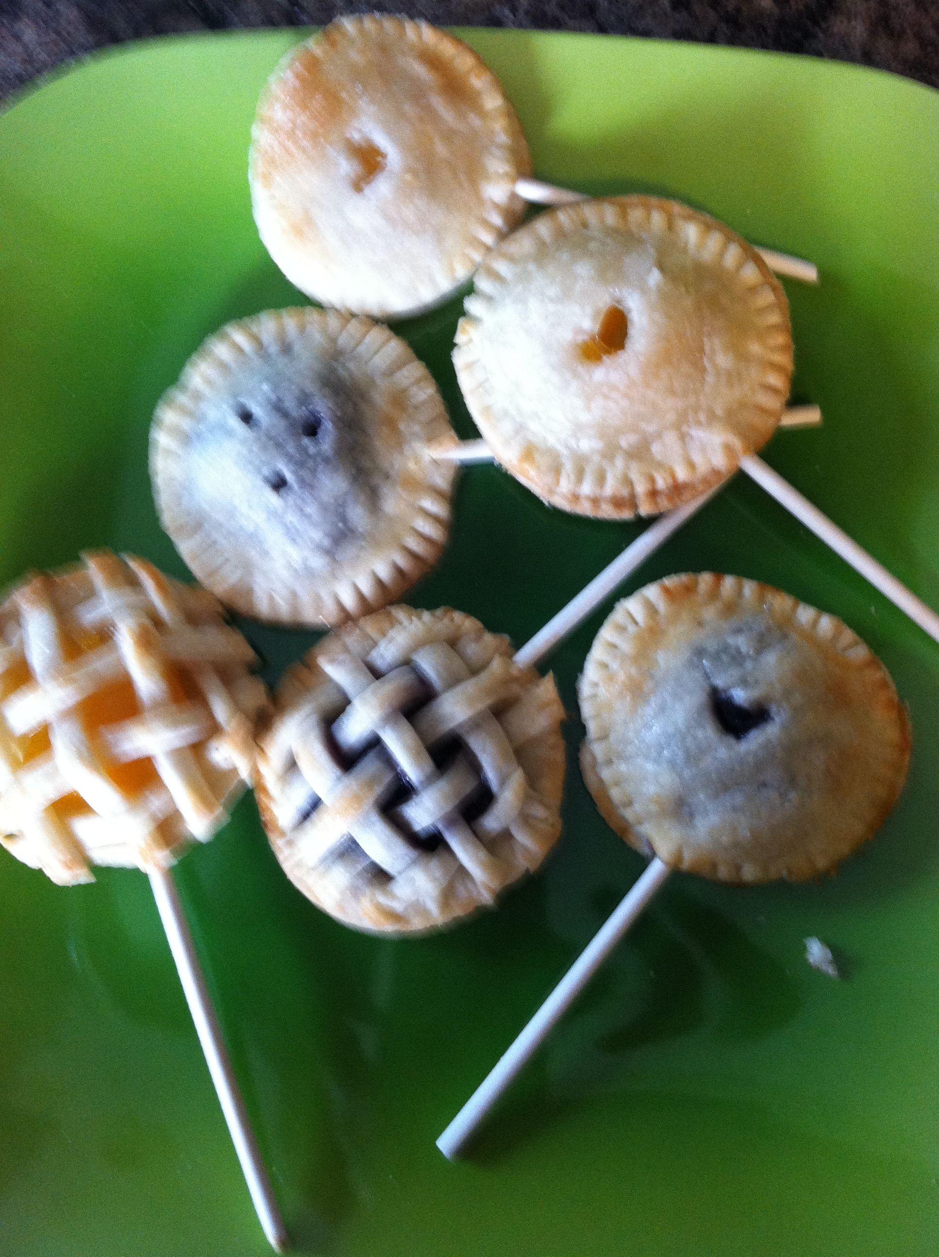 Homemade pie pops so cute homemade pie pie pops