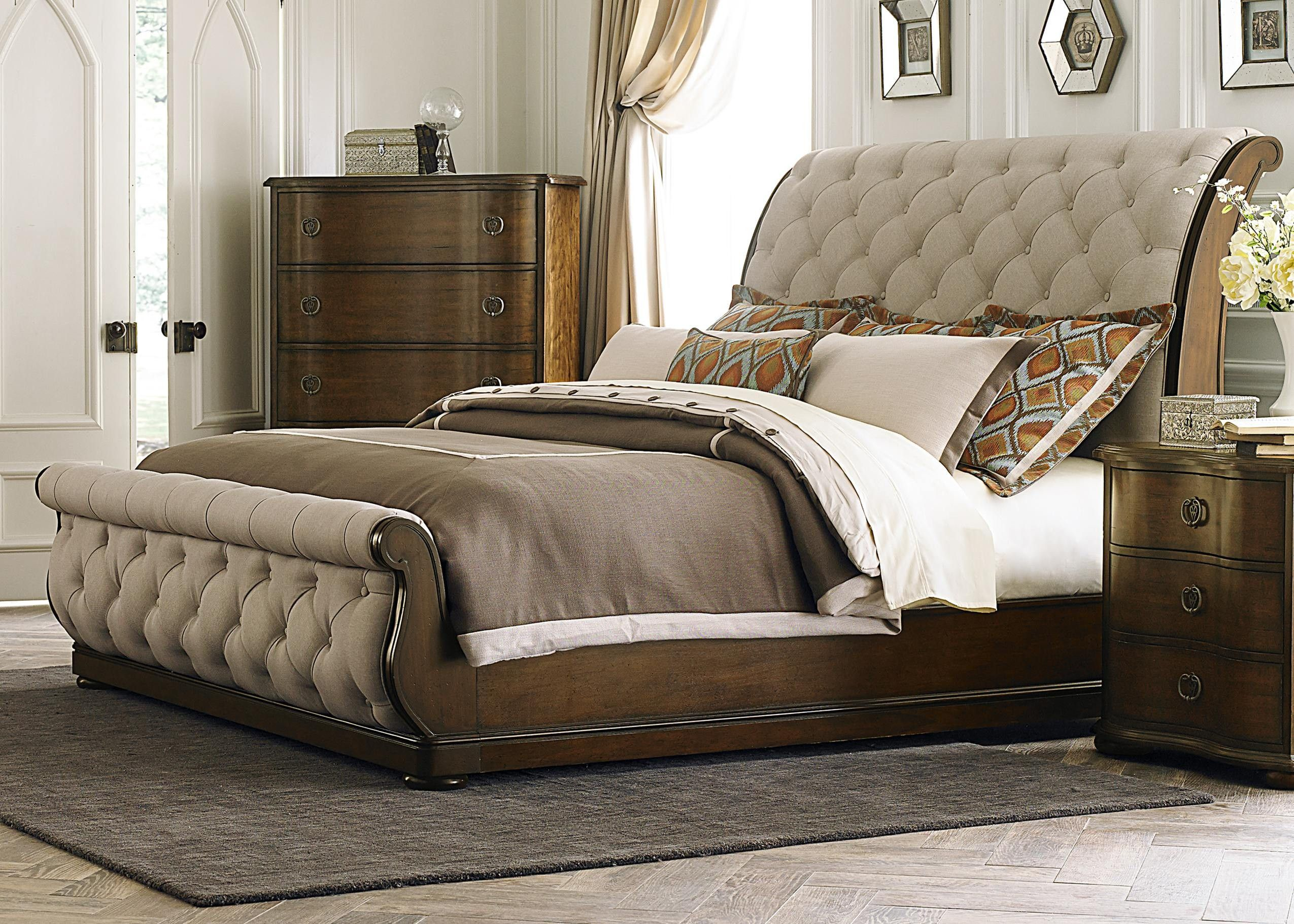 Liberty Furniture Cotswold Tufted Linen Upholstered Sleigh Bed 545 ...