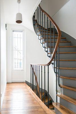 Adc L Atelier D A Cote Projet Avant Apres Une Grande Maison En Meuliere Entierement Repensee Et Escaliers Maison Renovation Escalier Bois Idee Deco Escalier