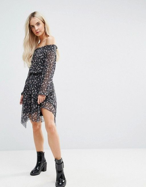75a909e1d2 New Look Petite Floral Asymmetric Midi Dress in black