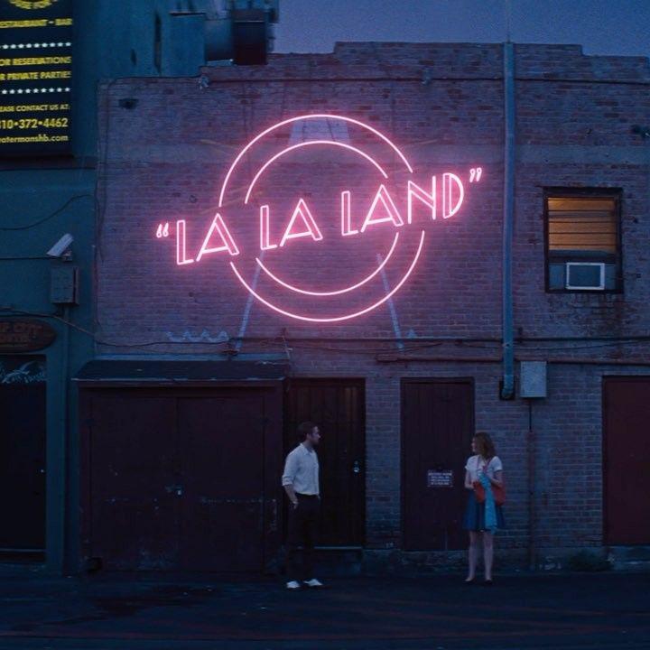 "Someone Cut Together A ""La La Land"" Trailer With All"
