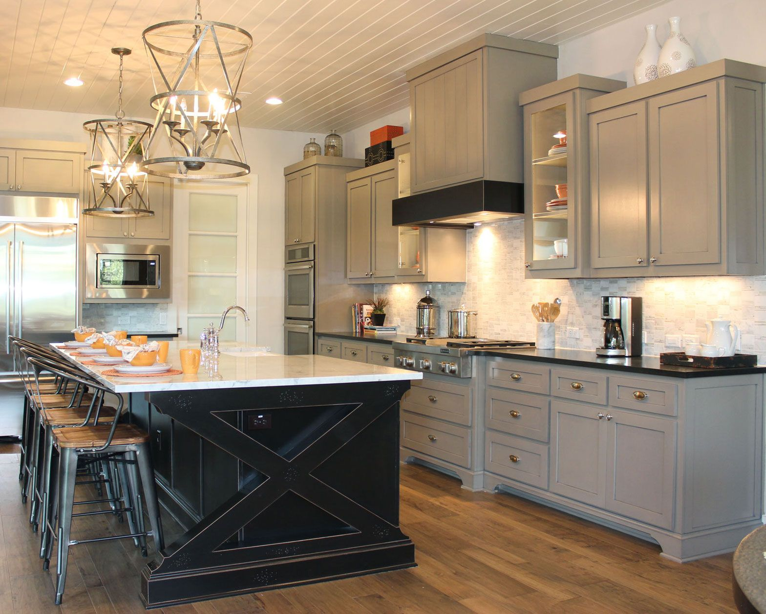 kitchen cabinets contrasting color frame and doors examples google search black kitchen on kitchen cabinet color ideas id=98540