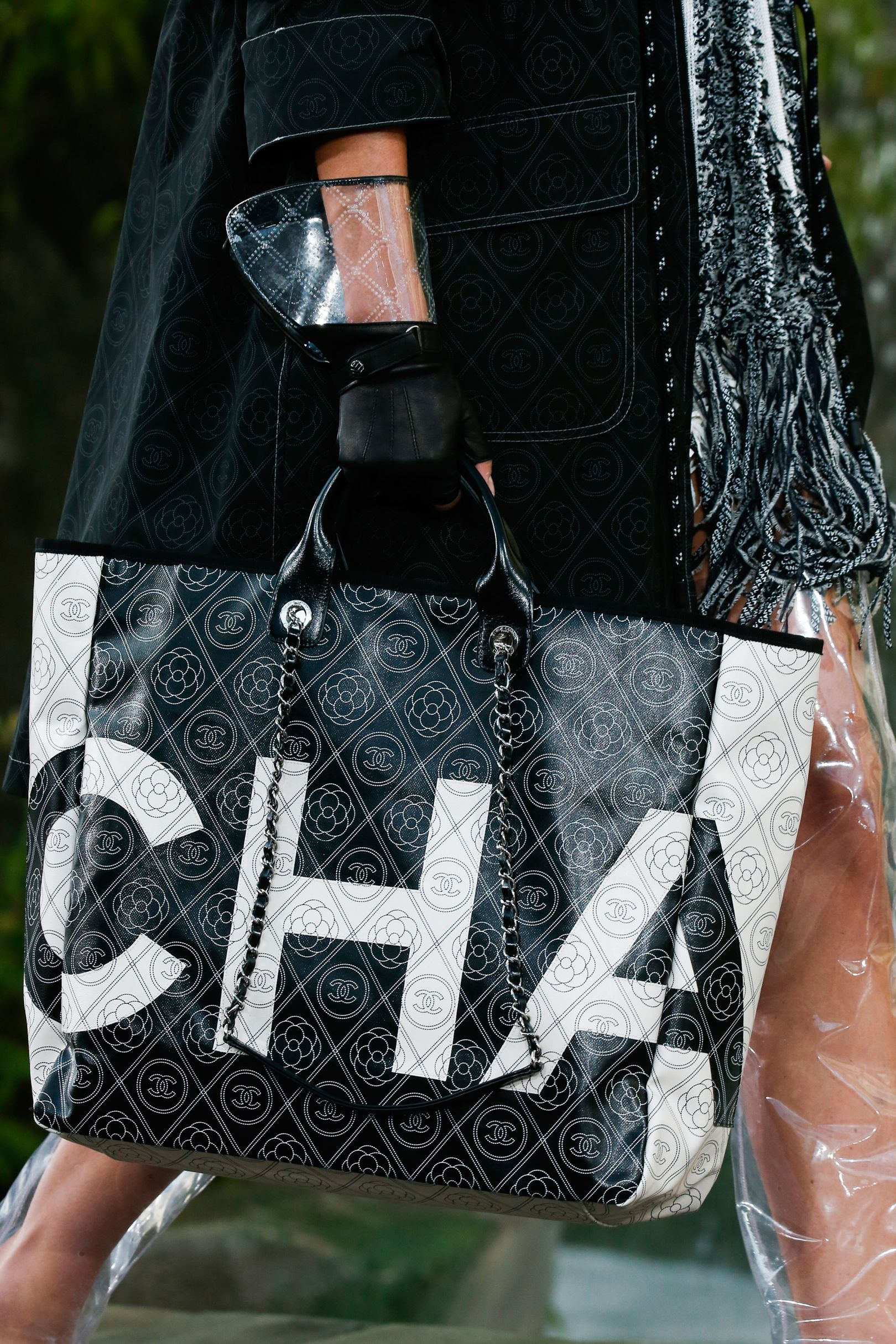 Shoes chanel and handbags spring summer foto