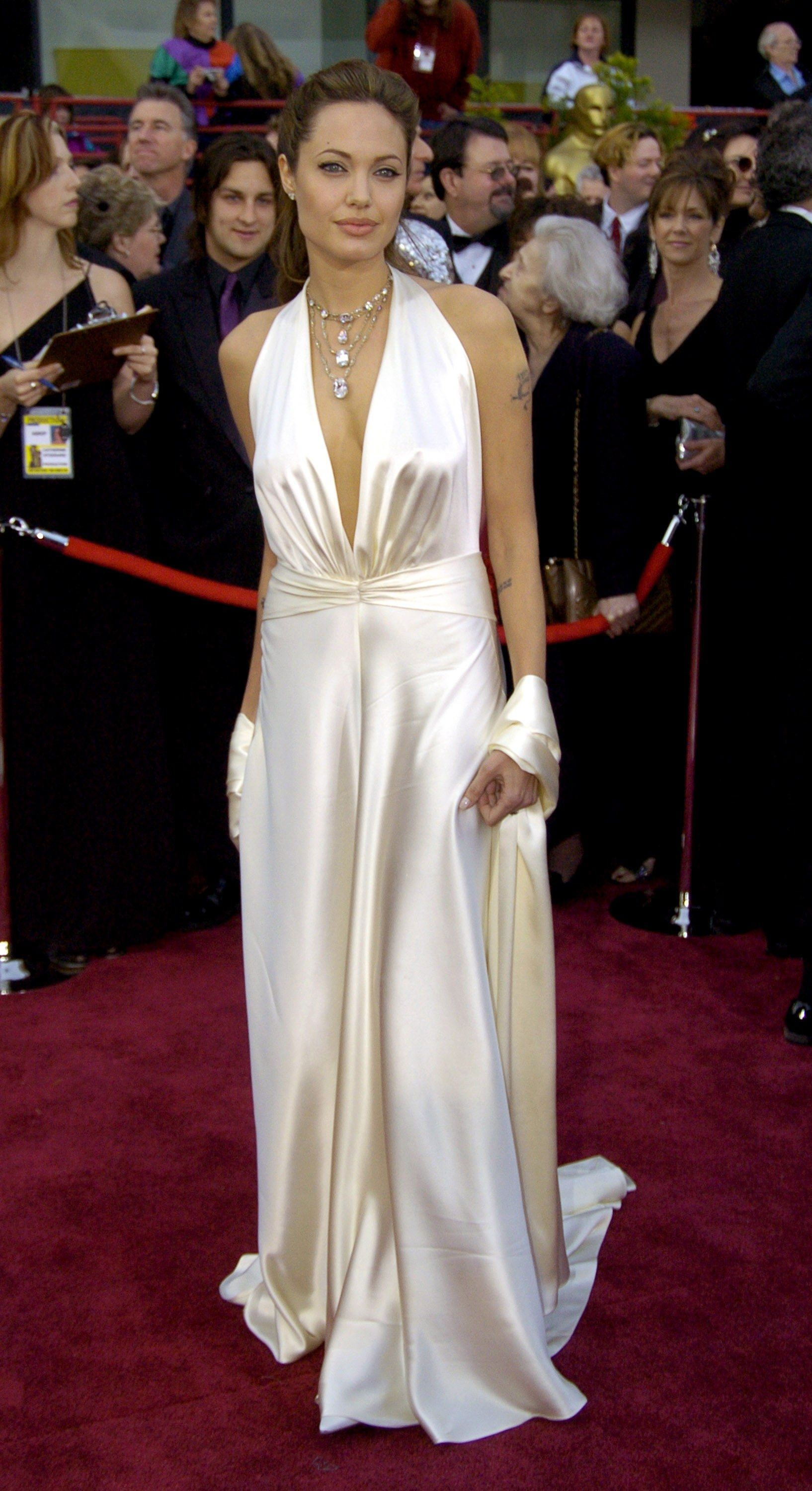 15 Most Iconic Red Carpet Dresses of All Time - Hollywood.com
