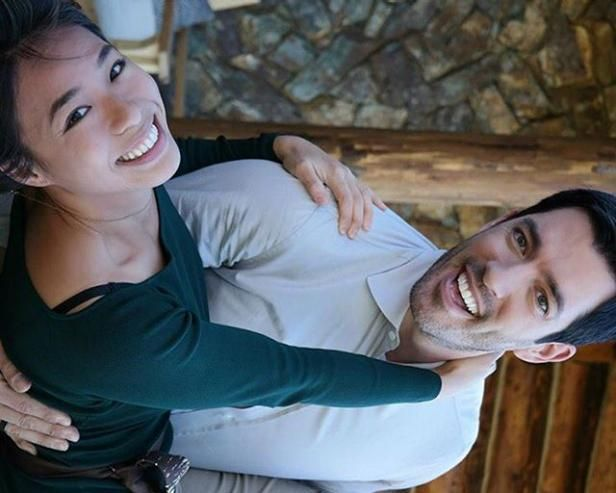 16 Times Hgtv And Diy Network Stars Looked Totally In Love Property Brothers Hug Photos Beautiful Girlfriend