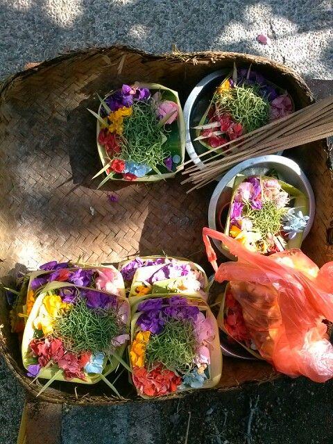 Offergaven, hindoe-dharma, Bali