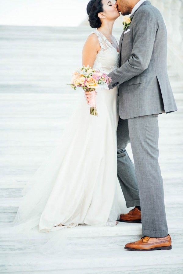 Romantic Wedding at the Museum of Contemporary Art Detroit   BHLDN ...