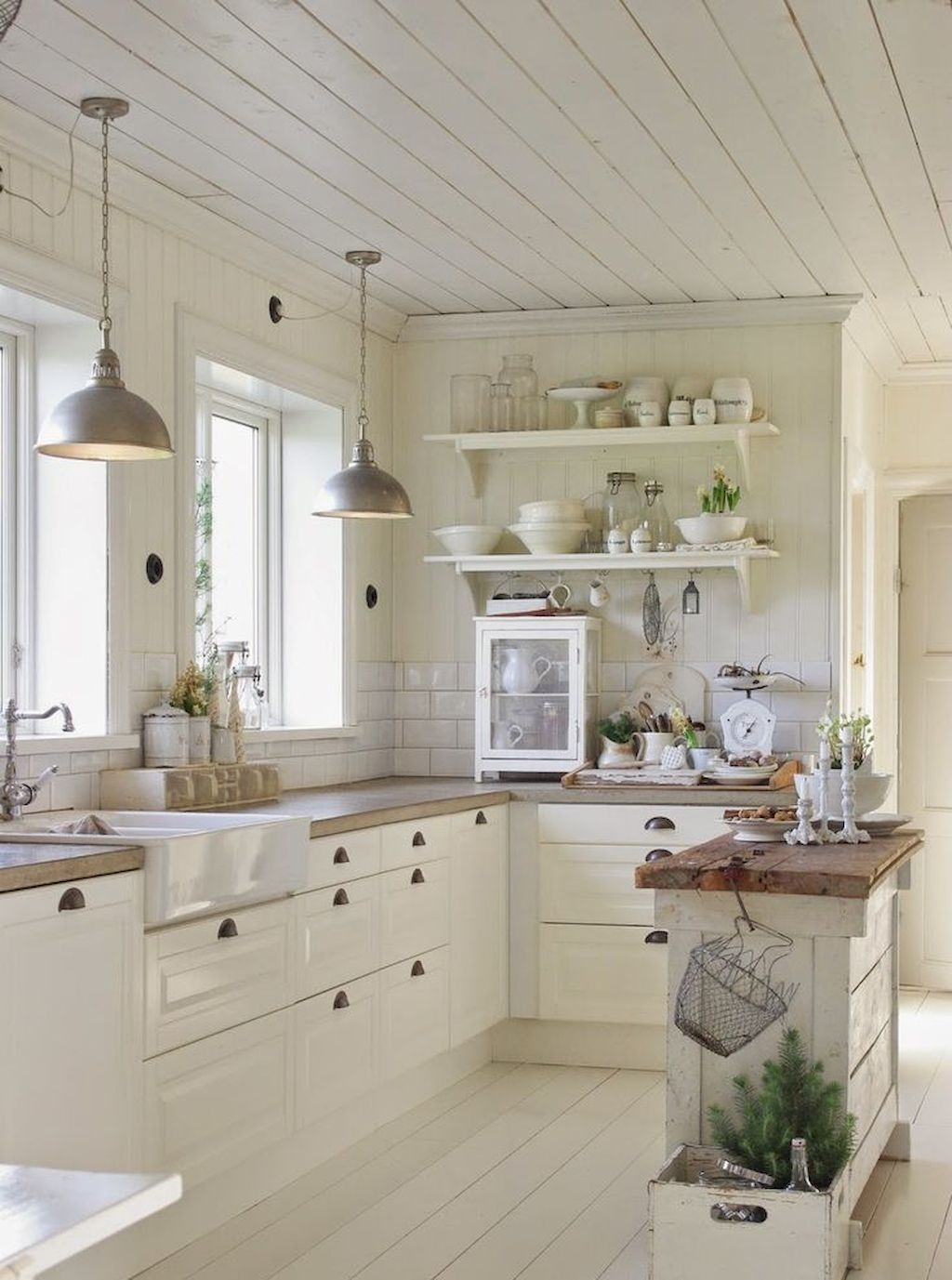 Farmhouse kitchen kitchen design decorating ideas housetohome co - 40 Beautiful Kitchen Decor Ideas On A Budget