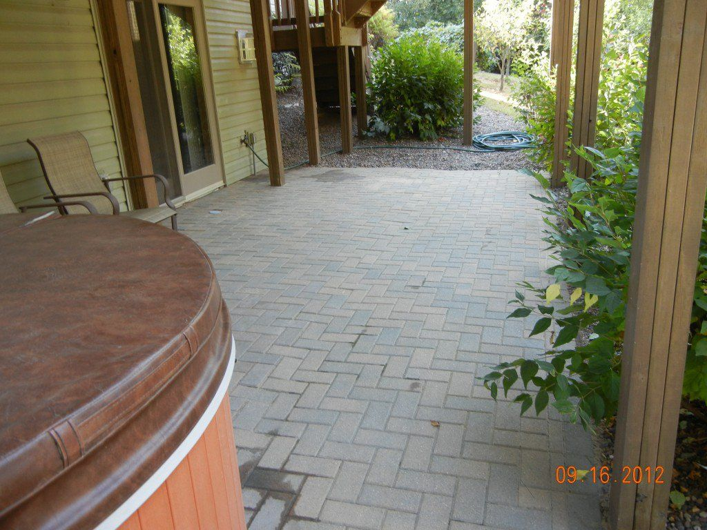 How To Lay Pavers For A Patio Fixing Brick Yourself