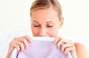 comment liminer l 39 odeur de transpiration dans les v tements astuces pinterest. Black Bedroom Furniture Sets. Home Design Ideas