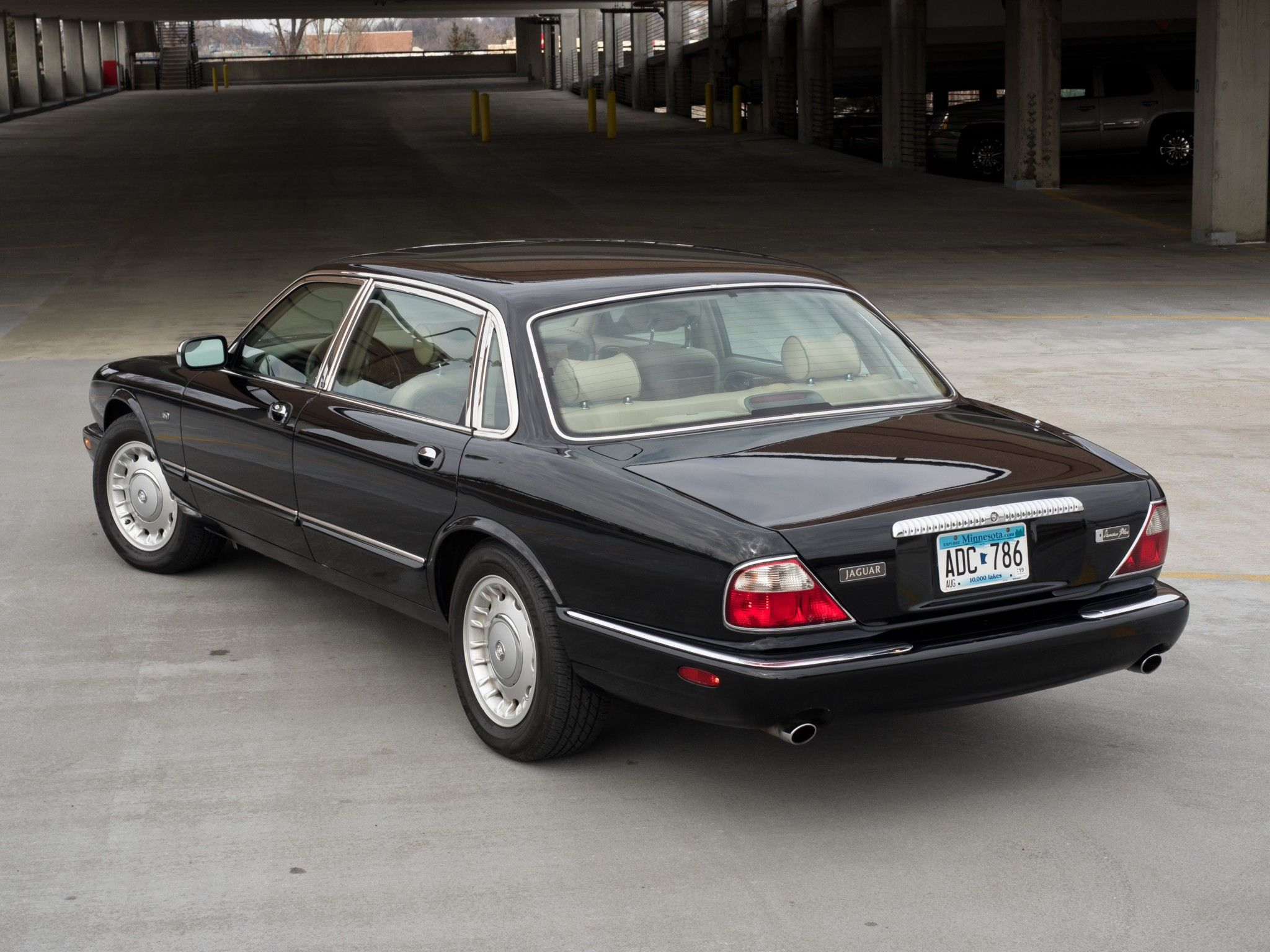 No Reserve One Owner 1998 Jaguar Xj8 Vanden Plas Jaguar Xj Classic Cars Jaguar