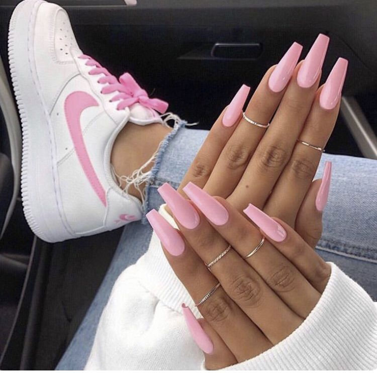 Pin by 𝓘𝓼𝓪𝓫𝓮𝓵☆彡 on ˚ ₊⁎Nails⁎⁺˳ ༚ in 2019 Pink acrylic