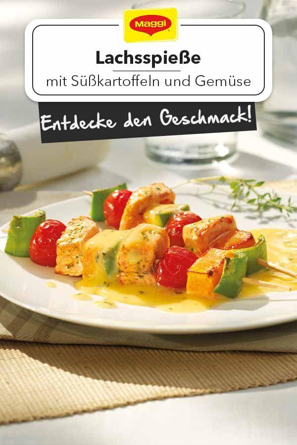 Eine bunte, neue Grillspieß-Idee für dich: Lachsspieße mit Süßkartoffeln und Gemüse! Schmeckt herrlich mit Thymian und einer Weißwein-Hollandaise-Sauce!