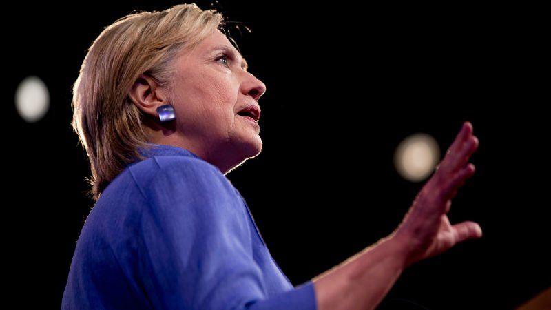 Gizmodo: Hillary Clinton Had 11 Blackberrys While Secretary of State  https://t.co/wj8WeLYJB9 https://t.co/Qa9gBElAyR