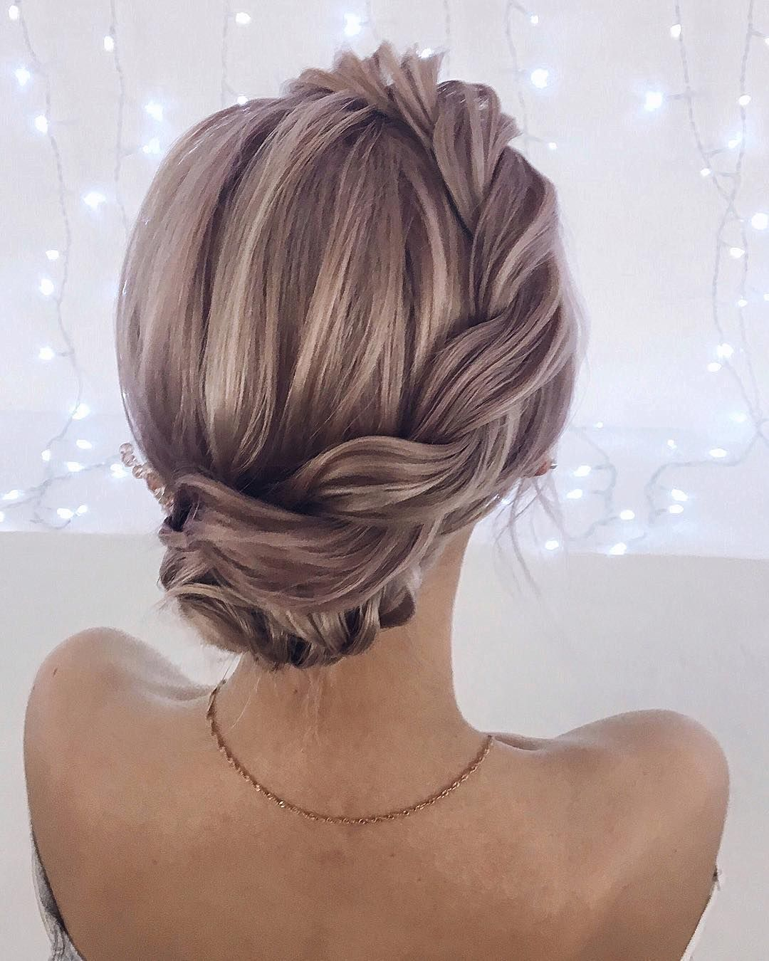 Wedding Hairstyle Hacks: Unique Low Updo With Side Detail! 💕 GO TO: Eva-darling.com