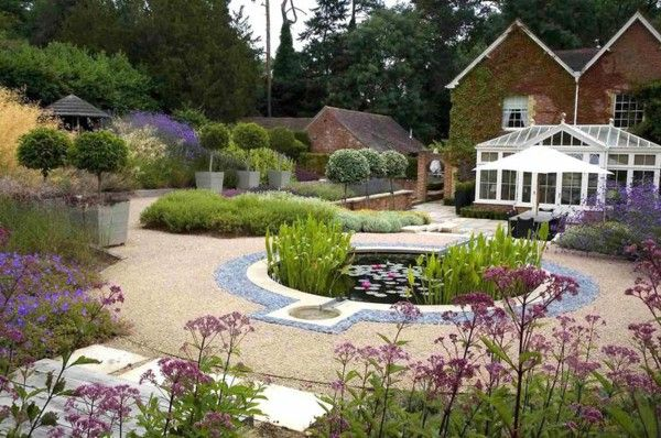 Modern Garden Design Examples W. Characteristic Circular Colored Part 92