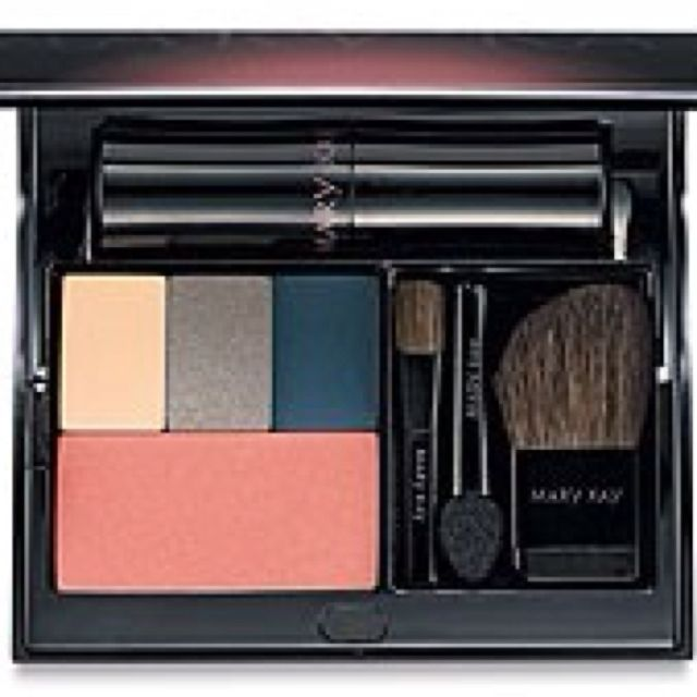 Fill a compact and get ready for SPRING!!! Contact me today for a special offer! 9034402442